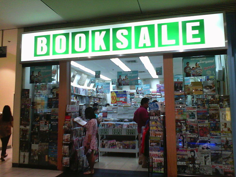 800px-booksale_28sm_city_sucat_branch29_storefront